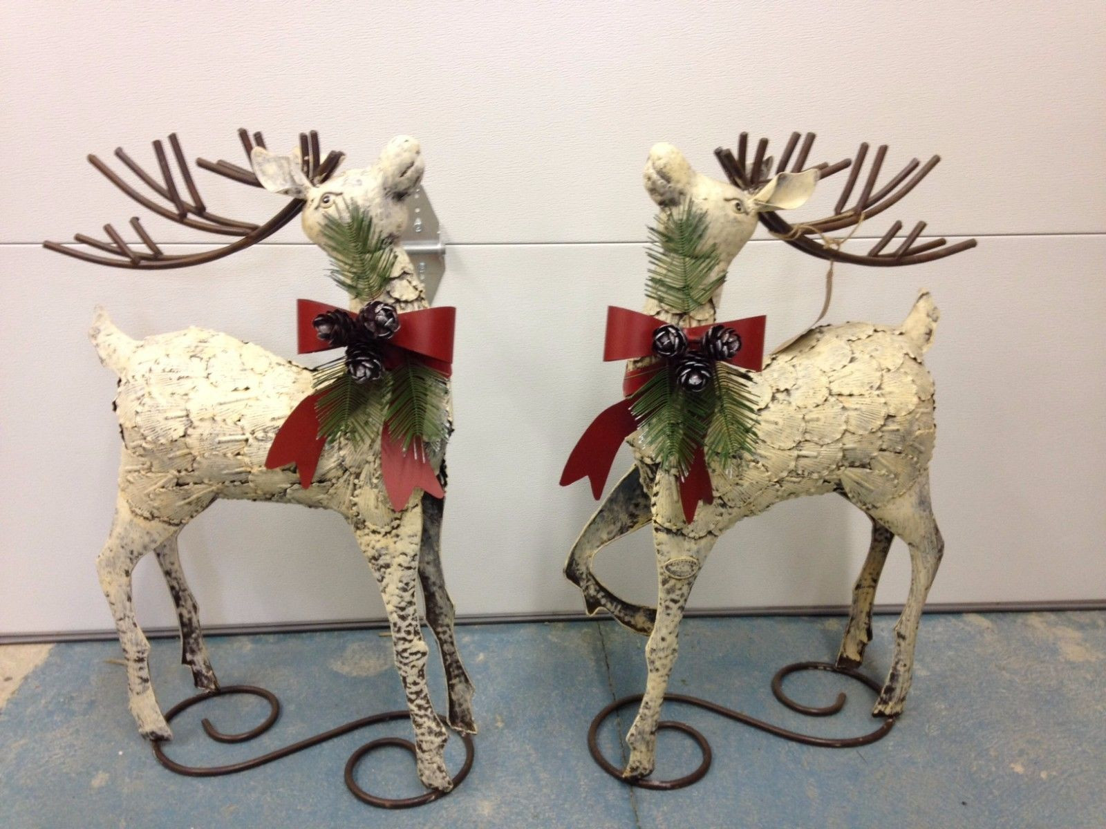 rustic 32 metal reindeer christmas decoration set of 2 - Metal Reindeer Christmas Decorations